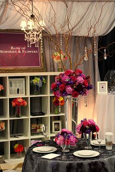 Bank of Memories & Flowers-Beautiful booth at the Wonderful World of Weddings in Milwaukee