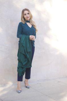 green on green Latest Fashion, Womens Fashion, Jessica Alba, Olivia Palermo, Fashion Bloggers, Victoria Beckham, Style Icons, Personal Style, Style Inspiration