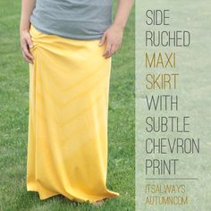 the side ruched maxi skirt with subtle chevron print. This is so pretty, I love how she did the chevron print. Sew Maxi Skirts, Diy Maxi Skirt, Maxi Skirt Tutorial, Crochet Skirts, Skirt Pattern Free, Skirt Patterns, Coat Patterns, Blouse Patterns, How To Make Skirt