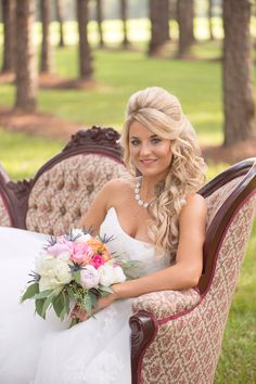 Eclectic & Colorful Southern Wedding sofa outside pics
