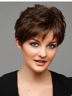 Great short cut! Short Hair With Layers, Medium Short Hair, Very Short Hair, Cute Hairstyles For Short Hair, Hairstyles Haircuts, Straight Hairstyles, Short Hair Cuts, Hairdos, Short Hair Styles