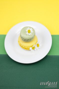 Zelené a žluté makronky - svatební inspirace /// Green and yellow macarons - wedding isnpiration /// AVANTGARD inspiration