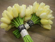Lavish & Unique Bridal Bouquet Ideas - MODwedding