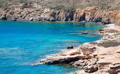 Klares blaues Wasser auf Astypalea, Griechenland © Nisa Maier Hotels, Strand, Girl Hairstyles, Greece, Culture, Water, Outdoor, Last Minute Vacation, Greek Islands