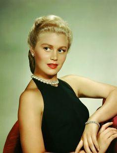Vintage Glamour Girls: Joan Caulfield