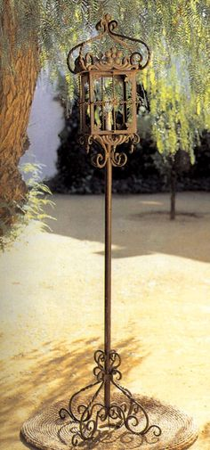 Lámpara Farol de Pie. 193x53Øcm