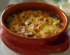 Κοτόπουλο με τυρί κασέρι στο πήλινο No Sodium Foods, Low Sodium Diet, Low Sodium Recipes, Low Carb, Turkish Recipes, Greek Recipes, Cookbook Recipes, Cooking Recipes, Mushroom Casserole
