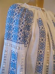 Similar Palestinian Embroidery, Bridal Dresses, Embroidery Designs, Diy And Crafts, Birthday Gifts, Hands, Culture, Costumes, Petra