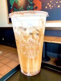 Starbucks Fall Drinks, Bebidas Do Starbucks, Starbucks Secret Menu Drinks, White Mocha Starbucks Recipe, Cold Brew Coffee Recipe Starbucks, Starbucks Salted Caramel Mocha, Iced White Mocha, Starbucks Latte, Best Iced Coffee