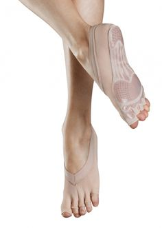 Bloch Forme Pilates Foot Sock - Pilates full-foot sock with individual toe spaces giving secure and comfortable grip when using pilates equipment. Also suitable for yoga giving greater stability in poses.