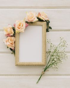 Wooden frame with floral ornament and bouquet of flowers Free Photo Islamic Wallpaper Hd, Framed Wallpaper, Flower Background Wallpaper, Frame Background, Flower Backgrounds, Photo Frame Design, Instagram Frame Template, Free Frames, Flower Frame