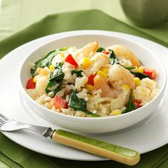 Shrimp Risotto Recipe -This colorful main dish will make family meals seem a little more elegant. It comes together so quickly, it's just right for a warming weeknight supper. —Taste of Home Test Kitchen Spinach Risotto, Shrimp Risotto, Seafood Recipes, Dinner Recipes, Cooking Recipes, Seafood Dishes, Cooking Ideas, Easy Recipes, Food Ideas