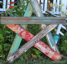 pallet wood star - beyond the picket fence