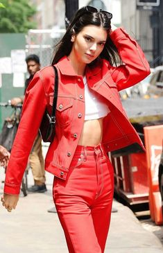 Latest photos for Kendall Jenner in Red Outfit Kylie Jenner Outfits, Kendall Jenner Outfits, Kendall And Kylie Jenner, Estilo Jenner, Model Look, Fashion Outfits, Womens Fashion, Celebrity Style, Snapchat