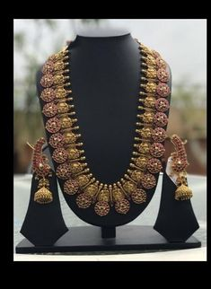 Antique jewellery – Page 5 – boutiquedesignerj. Jewelry Design Earrings, Gold Jewellery Design, Antique Jewellery Designs, Antique Jewelry, Antique Necklace, Gold Temple Jewellery, Gold Jewelry, Dainty Jewelry, High Jewelry