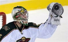 Darcy Kuemper with the glove save!