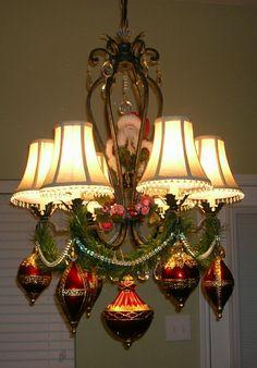 Christmas chandelier decorating - Santa, garland, beads & ornaments <3