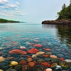 Beautiful day at Sugarloaf Cove Nature Center in Minnesota on Lake Superior. This 27 acre site features trails, beaches and forest restoration sites. (Photo credit: Chase Ulrick via Capture Minnesota) #Minnesota #LakeSuperior #OnlyinMN