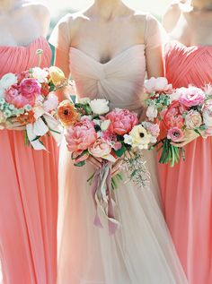 the most gorgeous pink peony bouquets via Inweddingdress.com #bridesmaid