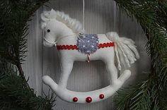 E.Creative / Vianočný koník