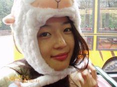 Jun JiHyun 전지현 全智賢 – Actress – Lucky Post – Cute Girl in Korea Jun Ji Hyun, Pretty Girls, Cute Girls, Cool Girl, My Sassy Girl, My Love From The Star, Hallyu Star, Korean Actresses, Ulzzang Girl