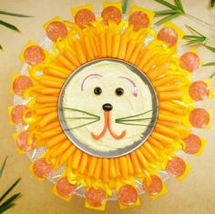 Veloce e carino: Lion King Crafts per bambini avventurosi Party Platters, Veggie Platters, First Birthday Parties, 3rd Birthday, First Birthdays, King Birthday, Birthday Ideas, Disney Snacks, Disney Food