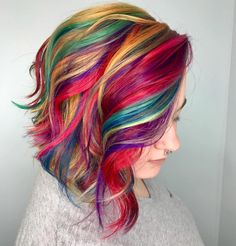 5 Hairstyles That Look Way Better on Dirty Hair - Amately Vibrant Hair Colors, Hair Dye Colors, Bright Hair, Cool Hair Color, Pelo Vintage, Pulp Riot Hair, Girls Short Haircuts, Coloured Hair, Pretty Hairstyles