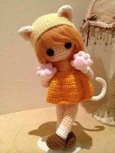 Amigurumi crochet doll dressed as a kitten, cute. I love her little paws :) Crochet Fairy, Crochet Doll Dress, Crochet Doll Pattern, Knitted Dolls, Crochet Patterns, Crochet Amigurumi, Amigurumi Doll, Amigurumi Patterns, Knit Crochet