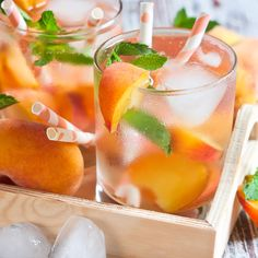 23 Flavored Water Ideas That Will Make You Forget About Soda - The 23 Best Flavored Water Recipes of All Time Best Flavored Water, Cucumber Infused Water, Flavored Water Recipes, Healthy Detox, Healthy Eating Tips, Healthy Smoothies, Healthy Food, Healthy Water, Healthy Juices