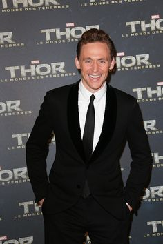 Tom Hiddleston attends 'Thor: The Dark World' Premiere at Le Grand Rex on October 23, 2013 in Paris, France [HQ]