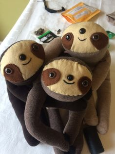 Is there a collective noun for sloths? I don't know so 'a huggle of sloths' is perfect for these little fellows.