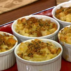 Baked Macaroni and Cheese with Black Truffle Oil by Wolfgang Puck.I like all the ingredients in this recipe, until the truffle oil. Anyone tried this recipe or black truffle oil? The Chew Recipes, Chef Recipes, Wine Recipes, Vegetarian Recipes, Cooking Recipes, Pasta Recipes, Gnocchi Recipes, Copycat Recipes, Cooking Ideas