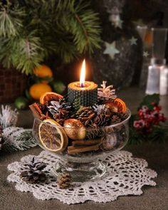 Image in Christmas🌲 collection by Danièle L on We Heart It Christmas Feeling, Noel Christmas, Christmas Candles, Winter Christmas, Christmas Crafts, Elegant Christmas, Xmas, Candle Centerpieces, Christmas Centerpieces