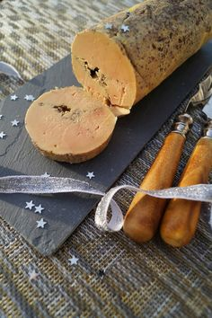 Gourmet Food Store, Gourmet Recipes, Desserts For A Crowd, Easy Desserts, Dessert Dips, Cheesy Breadsticks, Fall Dinner, Charcuterie, 3 Ingredients