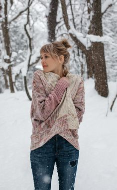 This open cardigan is a true adventure in knitting! Combining unique sideways construction, cables, fading and exposed seams to create a flattering oversized dolman style sweater that looks great on all types of figures! Knit in one color or four, to suit your style! *In purcha