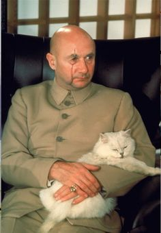Blofeld and his beautiful cat, from James Bond. I need to watch some James Bond… Donald Pleasence, James Bond Theme, James Bond Movies, Chat Web, Celebrities With Cats, Celebs, George Lazenby, Bond Series, Timothy Dalton