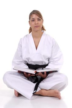 6 Taekwondo Tips from Australia's most-qualified female instructor - The Mortal Mouse Taekwondo Classes, Taekwondo Girl, Taekwondo Training, Olympic Gold Medals, Military Girl, Comparing Yourself To Others, The Grandmaster, Injury Prevention, Olympic Games