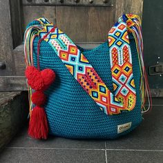 """Mayan Morral Bag """"tassel"""", by Otomiartesanal. DESCRIPTION This beautiful hand knitted morral by Mexican Artisans from Mayan zone, is unique and exclusive design of Otomiartesanal, is a tote bag with a Hand Knitting, Knitting Patterns, Crochet Patterns, Mexican Crafts, Mexican Art, Diy Sac, Crochet Handbags, Tapestry Crochet, Knitted Bags"""