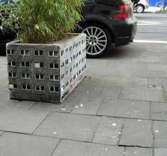 Miniature Buildings - Street Art by Evol ~ Damn Cool Pictures 3d Street Art, Best Street Art, Street Art Graffiti, Street Artists, Wow Art, Concrete Blocks, Art Moderne, Public Art, Public Spaces