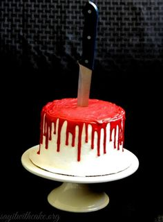 Everyone at your Halloween party will be dying to taste a slice of this bloody Halloween cake. Find out how to make it here. >> https://www.finedininglovers.com/blog/food-drinks/bloody-halloween-cake/