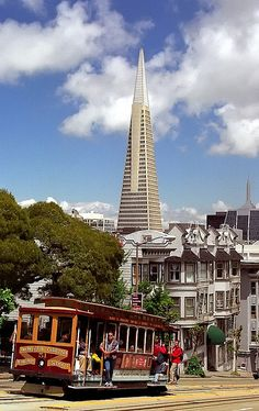 San Francisco - California Street Cable Car & Transamerica Building