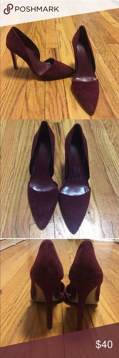 Banana Republic Wine/Burgundy Pointed Toe Heels 7 Banana Republic heels. Size 7. I'm deep wine / burgundy color. Faux suede. 4 in heels. Only worn handful of times. Let me know if you have any questions. I'm doing a closet clean out. Please check out my other items. Banana Republic Shoes Heels