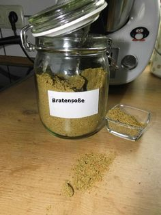 Bratensoßenpulver Gravy powder You need mixed mushrooms dried dried soup greens breadcrumbs (mine were homemade) fried onions garlic freeze-dried herbal salt A… Cooking For Beginners, Recipes For Beginners, Easy Cooking, Cooking Recipes, Healthy Cooking, Vegetarian Recipes, Healthy Recipes, Baking Tips, Food Items