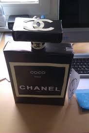 Afbeeldingsresultaat voor sinterklaas surprise ideeen Chanel Logo, Coco Chanel, Craft Activities For Kids, Crafts For Kids, Xmas Gifts, Homemade Gifts, Diy And Crafts, December, Perfume Bottles