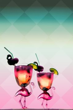 Summer is coming... time for pink flamingo cocktails! | Bertie