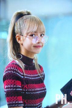 Check out Blackpink @ Iomoio Blackpink Lisa, Kim Jennie, Kpop Girl Groups, Kpop Girls, Lisa Blackpink Wallpaper, Black Pink Kpop, Blackpink Members, Blackpink Photos, Kim Jisoo