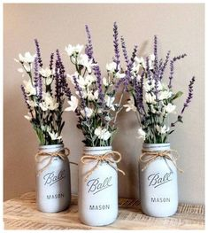 Items similar to Chalk Paint Mason Jars – center pieces – Decor – Wedding on Etsy - Crafts Chalk Paint Mason Jars, Painted Mason Jars, Mason Jar Crafts, Mason Jar Diy, Rustic Mason Jars, Uses For Mason Jars, Mason Jar Projects, Bottle Crafts, Deco Table Champetre