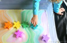 A NEW play recipe: Magic Foaming Stars. Add them to your shallow tray and watch as they shoot out rays of colored foam. Search through the mound of puffy ice cold foam produced to find the treasures once hidden inside. From Fun at Home with Kids Sensory Bins, Sensory Activities, Activities For Kids, Summer Diy, Summer Crafts, Crafts For Girls, Diy For Kids, Holiday Program, Preschool Science