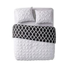 White Scottsdale Reversible Duvet Cover Set ($49) ❤ liked on Polyvore featuring home, bed & bath, bedding, duvet covers, white, white shams, white pleated bedding, white duvet cover set, white pillow shams and contemporary bedding