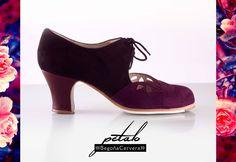 https://www.tamaraflamenco.com/es/zapatos-de-flamenco-profesionales-4 Zapato profesional de flamenco Begoña Cervera Modelo Petalos negro y cardenal
